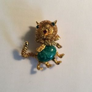 Jewelry - Adorable Vintage Cat Pin